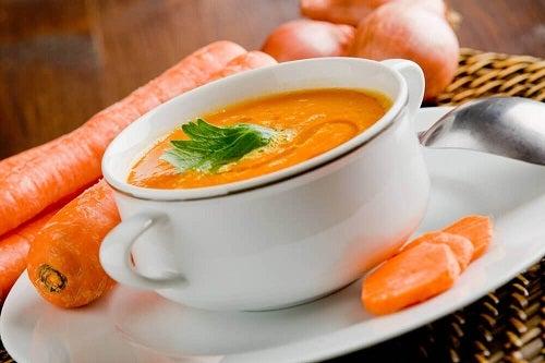 Super delicioase pentru detoxifierea corpului preparate cu morcovi