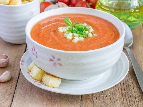 Supe delicioase pentru detoxifierea corpului care se prepară ușor