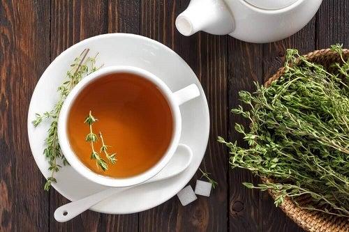 Care sunt beneficiile ceaiului de cimbru?