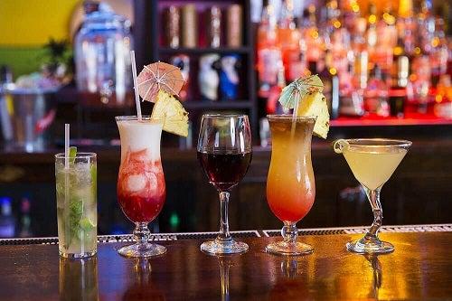 Cele mai dăunătoare băuturi pentru stomac cum ar fi tăriile