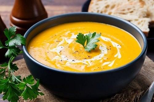 Cele mai sănătoase supe cremă de legume cu ingrediente benefice