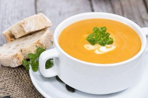 Care sunt cele mai sănătoase supe cremă de legume?