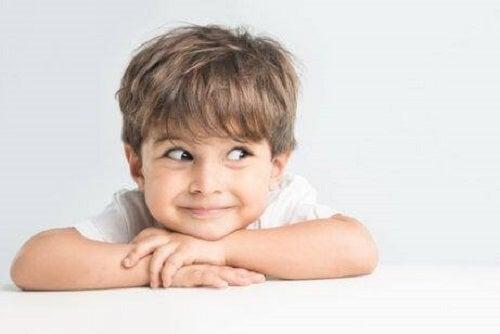 Consecințe ale culcatului târziu la copii precum dificultățile de concentrare