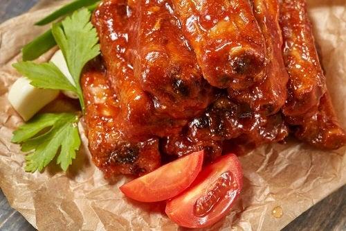 Cum să prepari costițe de porc caramelizate cu miere