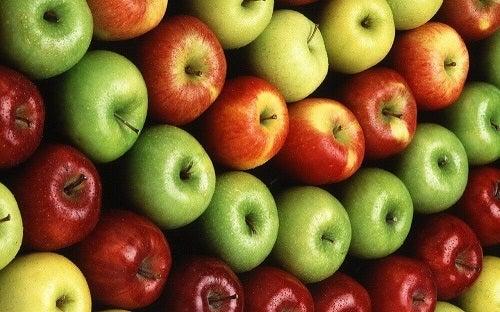 Dietă cu mere consumate în stare crudă