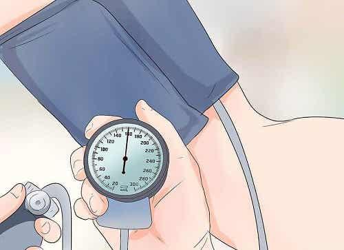 Practică exerciții pentru combaterea hipertensiunii