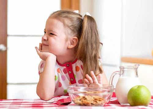 Lipsa poftei de mâncare la copii și remedii naturale pentru un apetit crescut