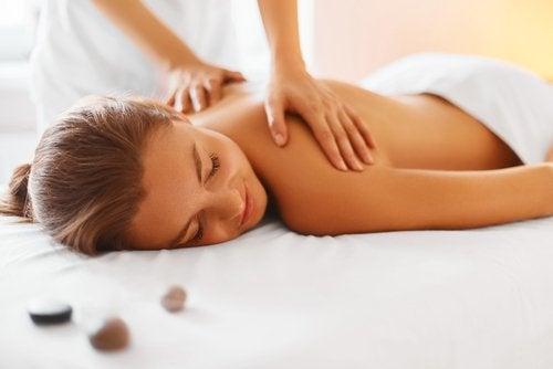 Masajele limfatice sunt remedii pentru detoxifierea sistemului limfatic