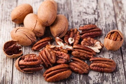 Motive pentru a consuma fructe oleaginoase precum nucile