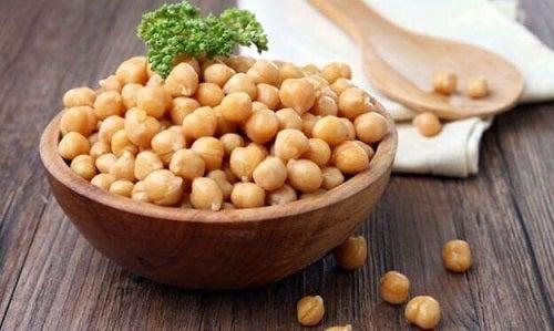 Boabe de năut ca ingredient în rețete bogate în proteine