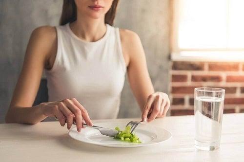 Pierderea în greutate fără înfometare menține silueta
