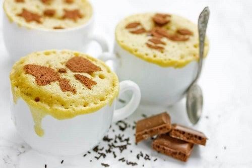 Prăjitură preparată la cuptorul cu microunde