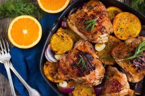 Cum să prepari pui la cuptor cu portocale și rozmarin