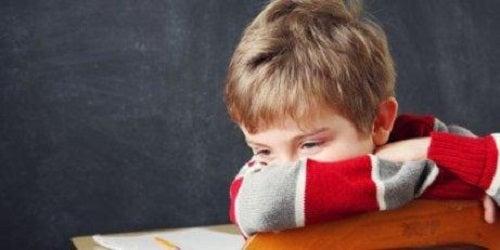 Răni emoționale din copilărie care provoacă suferință