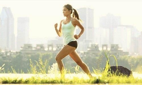 Remedii pentru buna funcționare a tiroidei precum exercițiile fizice