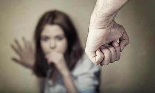 Care sunt semnele violenței psihologice la nivelul corpului?