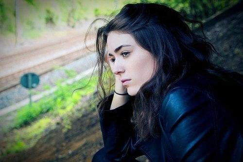 Semnele violenței psihologice la nivelul corpului precum depresia