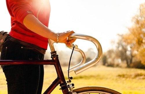 Sfaturi pentru a scăpa de tristețe precum practicarea unor exerciții fizice