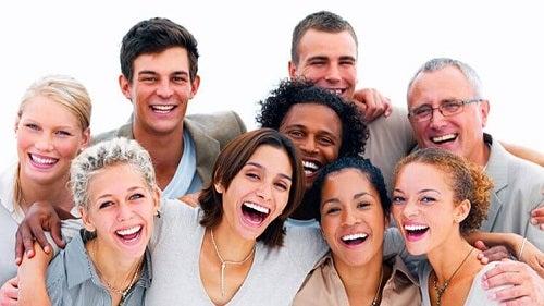Sfaturi pentru a scăpa de tristețe lângă oameni optimiști