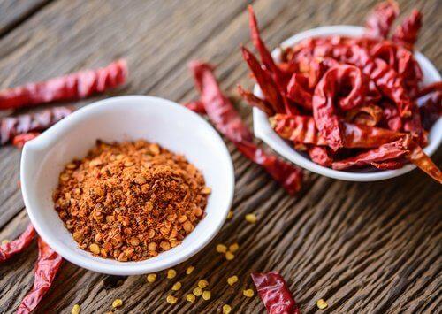 Siropuri naturale pentru tusea seacă cu ardei Cayenne