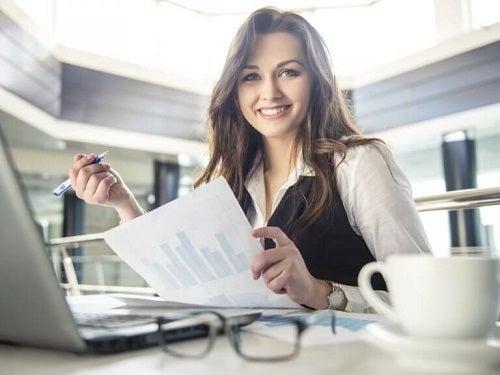 Trucuri pentru a slăbi treptat la locul de muncă