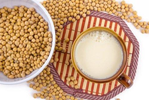 Alimente care îți întăresc cartiljele și ligamentele precum boabele de soia