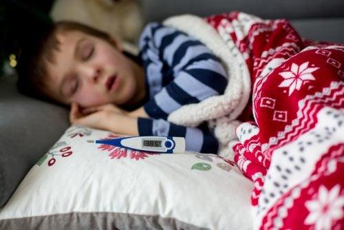 Cauzele și simptomele scarlatinei la copii