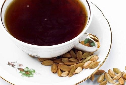 Ceaiuri naturale pentru hipertensiunea arterială din cardamom