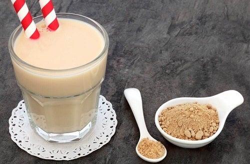 Printre cele mai bune băuturi afrodiziace este și un smoothie cu ghimbir