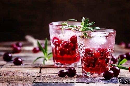 Cocktailul Cosmopolitan printre cele mai bune băuturi afrodiziace
