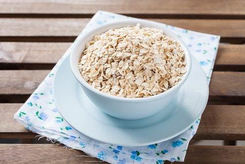 Creșterea în greutate la menopauză prevenită prin consumul de ovăz