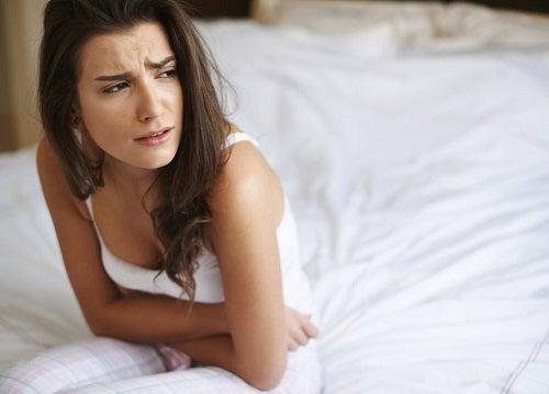 Durerile pelvine sunt simptome timpurii ale cancerului ovarian