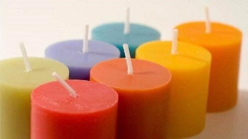 Eliminarea energiilor negative din casă cu ajutorul unor lumânări