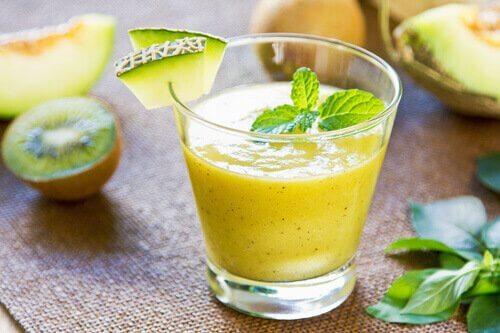 Remedii naturale cu pepene galben sub formă de smoothie