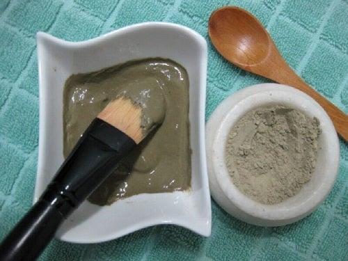 Remediu pentru hernie cu pastă de argilă