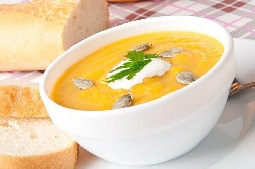 Rețete de supă de dovleac cu smântână