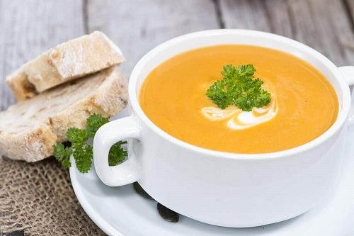 Rețete de supă de dovleac pentru persoanele vegane