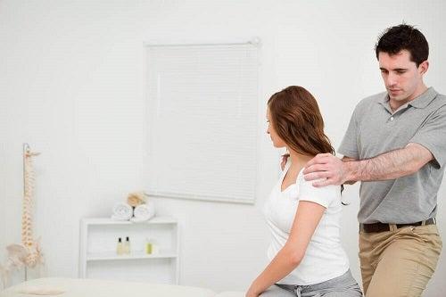Practică scândura pentru un abdomen perfect și o postură mai bună