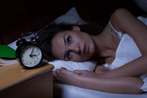 Simptome ale unui infarct precum insomnia