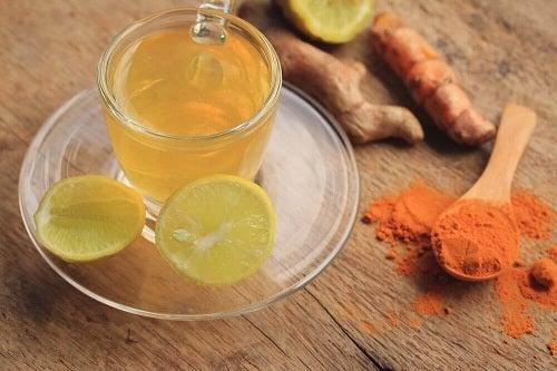 Slăbește cu turmeric în ceai de lămâie