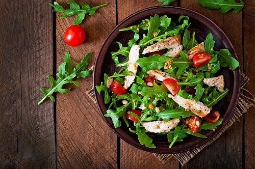 Slăbește cu turmeric în salată de legume