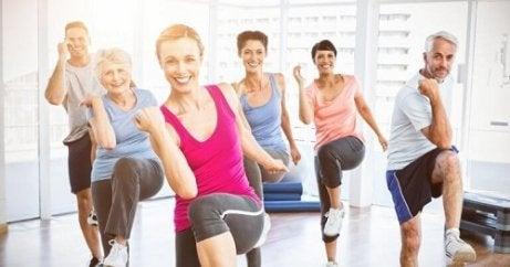 Pierderea în greutate te face să pari mai tânăr)