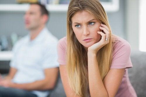 Trăsături ale persoanelor imature în relațiile cu cei din jur