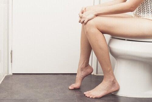 Tratamente pentru hemoroizi aplicate la toaletă