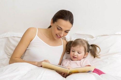 Citirea unor povești ilustrate este utilă pentru copiii cu tulburări de limbaj