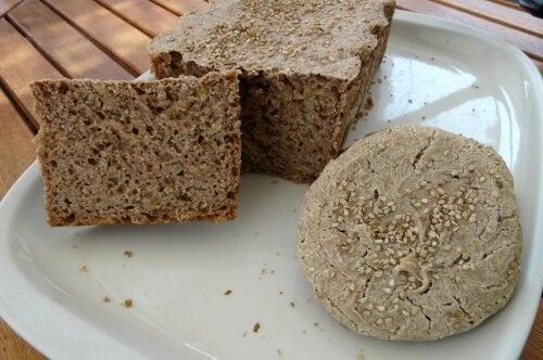 Consumul de pâine este dăunător dacă nu este din grâu întreg
