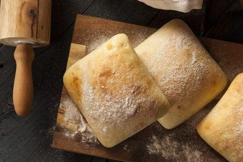 Consumul de pâine este dăunător din cauza conținutului mic de nutrienți
