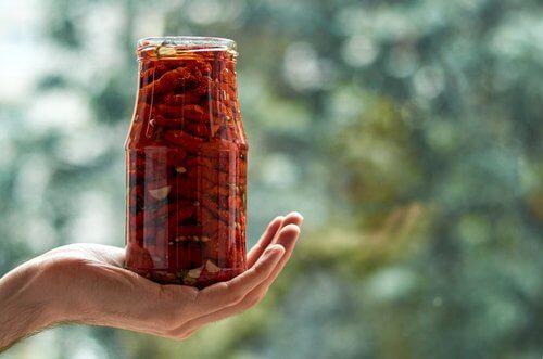 Cum să faci un deshidrator solar pentru a conserva legumele