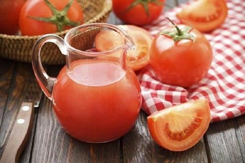 Diete detoxifiante sărace în grăsimi cu suc de roșii