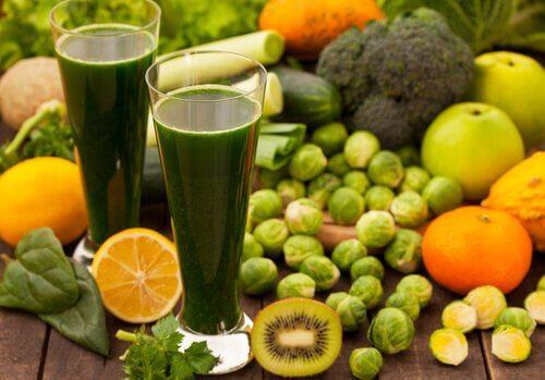 3 diete detoxifiante sărace în grăsimi